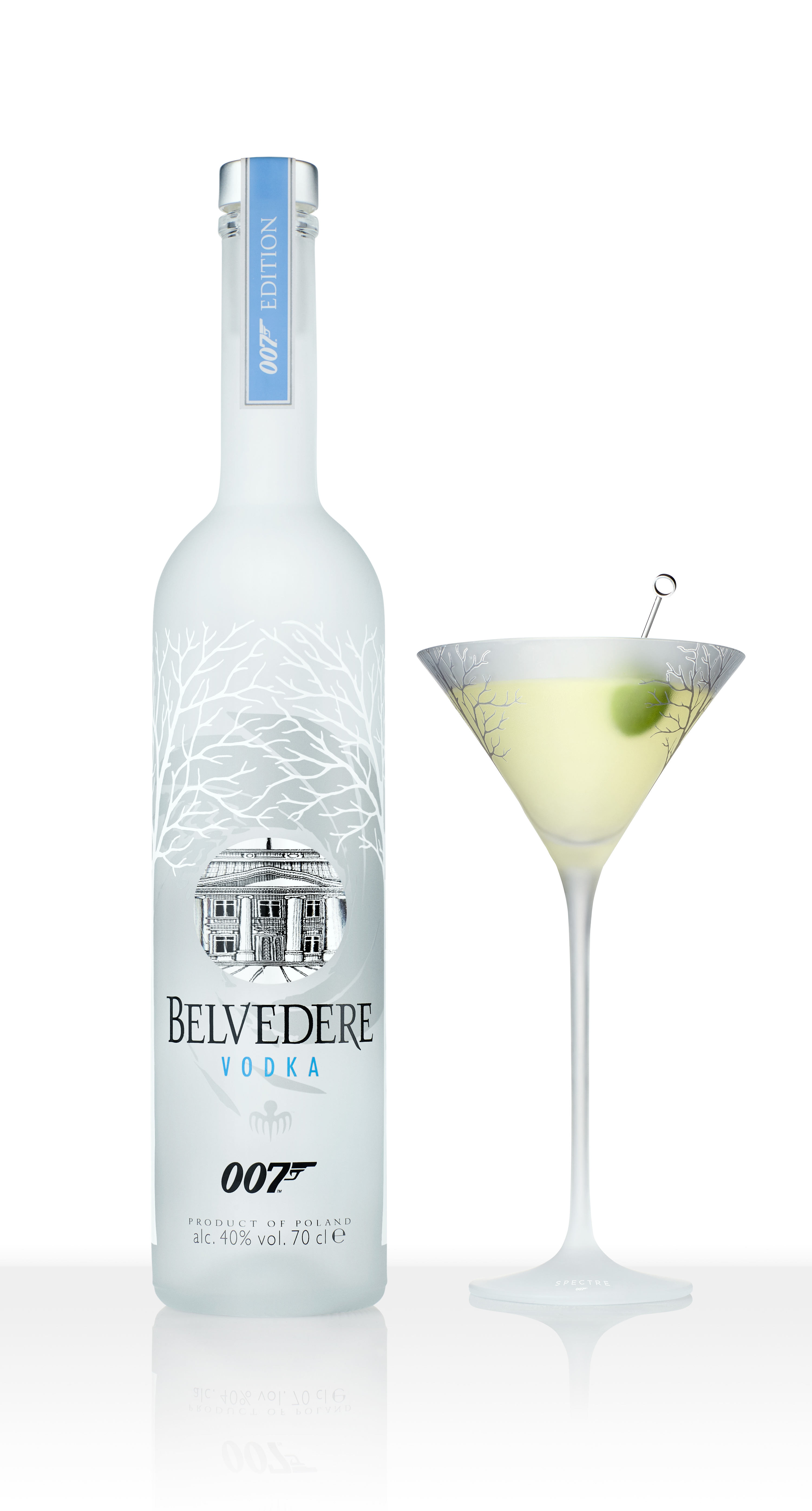 Belvedere 007 SPECTRE limited edition bottle with Belvedere SPECTRE 007 martini