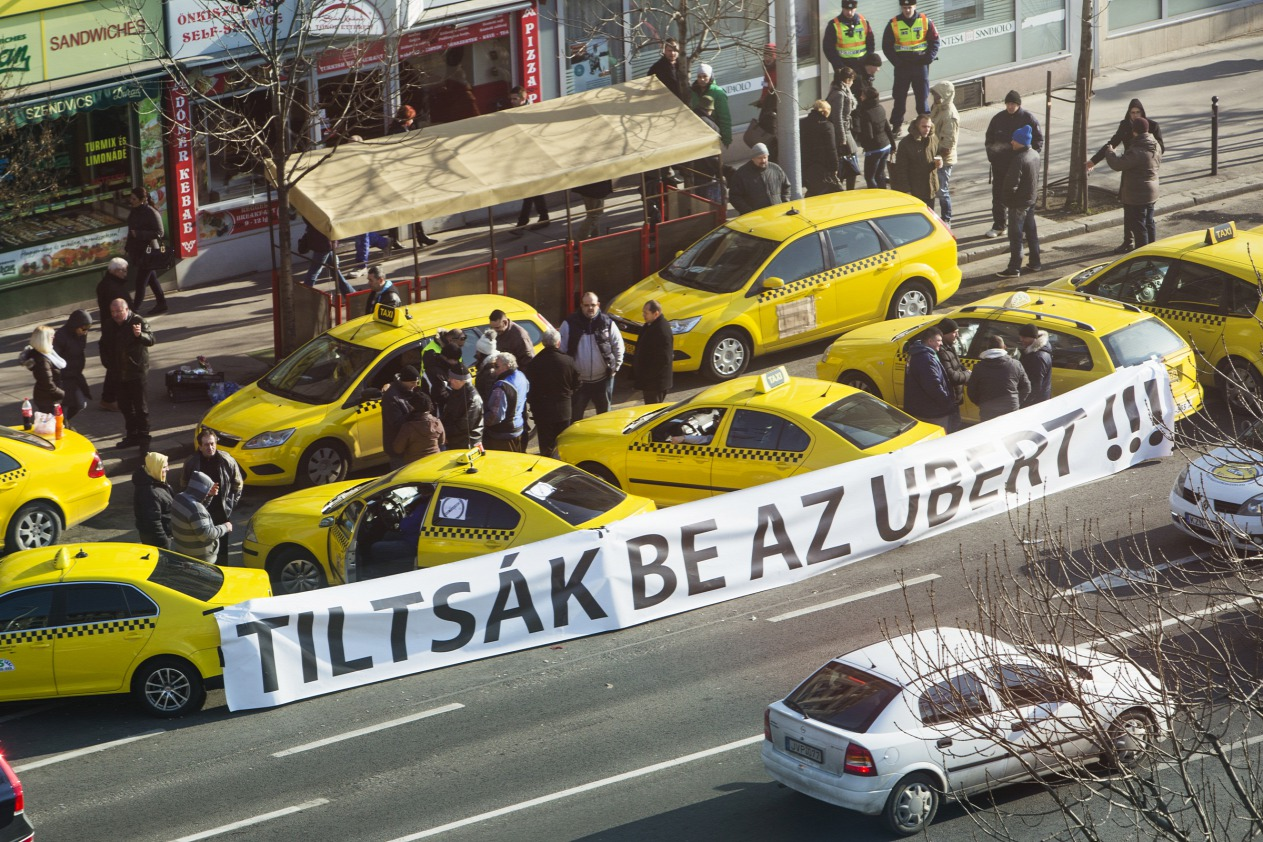taxis-vs-uber